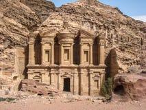 Het klooster of de Advertentie Deir bij Petra. Jordanië stock fotografie