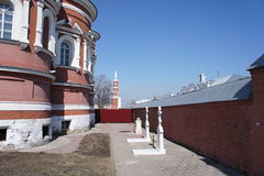 Het klooster in de stad in de voorsteden van Kolomna stock foto's