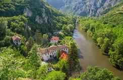 Het klooster en de berg Stock Afbeeldingen