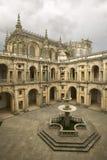 Het klooster van de Ridders van Christus en het Templar-Kasteel is een Unesco-Plaats van de Werelderfenis door Gualdim Pais in de stock fotografie