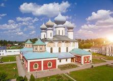Het Klooster van de Tikhvinveronderstelling, Russische Orthodox, Tihvin, het gebied van Heilige Petersburg, Rusland Royalty-vrije Stock Afbeeldingen