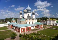 Het Klooster van de Tikhvinveronderstelling, Russische Orthodox, & x28; Tihvin, het gebied van Heilige Petersburg, Russia& x29; royalty-vrije stock afbeeldingen