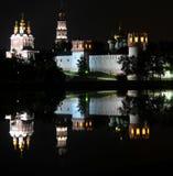 Het Klooster van Novodevichy bij nacht Stock Afbeelding