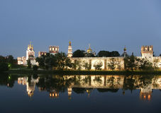 Het Klooster van Novodevichy (bij nacht), Moskou, Rusland Stock Fotografie