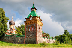 Het klooster van Puhtitsa. Estland Stock Fotografie