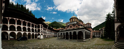 Het klooster van Rila - Bulgarije Royalty-vrije Stock Afbeeldingen
