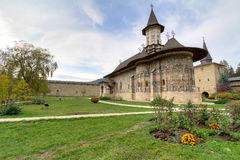 Het Klooster van Sucevita stock foto's