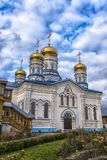 Het Klooster van Tikhvinbogorodichny Uspensky is Orthodox m van vrouwen Royalty-vrije Stock Foto's