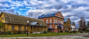 Het Klooster van Tikhvinbogorodichny Uspensky is Orthodox m van vrouwen Stock Foto's