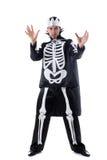 Het knappe mens stellen in skeletkostuum Stock Afbeeldingen