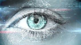 Het knipperen van oog met technologie-interface stock footage