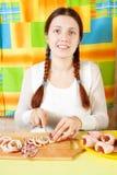 Het knipsel van de vrouw van gekookt calamaries royalty-vrije stock afbeelding