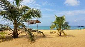 Het koelen Beachfront in Sri Lanka stock foto's