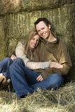 Het koesteren van paar. royalty-vrije stock foto