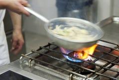 Het koken van de chef-kok Royalty-vrije Stock Foto's