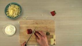 Het koken van fruitsalade De mening van de eerste-persoon stock videobeelden