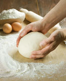 Het koken van het brood. Deeg Royalty-vrije Stock Afbeeldingen