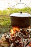Het Koken van het kampvuur Stock Afbeeldingen