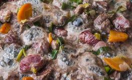 Het koken van vlees royalty-vrije stock fotografie