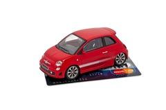 Het kopen van of het huren van auto met creditcard Royalty-vrije Stock Foto's