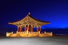 Het Koreaanse Oriëntatiepunt van de Klok van de Vriendschap in San Pedro Calif Stock Afbeeldingen