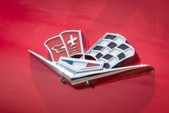 Het Korvet Sting Ray van Chevrolet van de embleemsportwagen (C2) Stock Foto