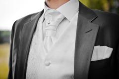 Het kostuum van de bruidegom stock fotografie