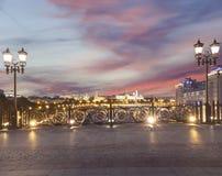 Het Kremlin bij nacht, Moskou, Rusland--de populairste mening van Moskou stock foto's