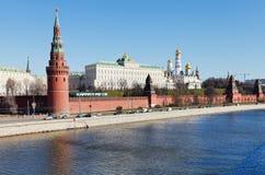 Stock foto: moskou het kremlin (met moskou-rivier, en het is dijk