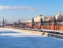 Het Kremlin en de dijk van het Kremlin in de winter royalty-vrije stock foto's