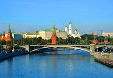 Het Kremlin en de Rivier van Moskou moskou Rusland Royalty-vrije Stock Fotografie