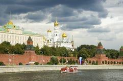Het Kremlin. overheids huis en Kerk Stock Afbeeldingen