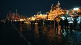 Het Kremlin, Rode Vierkante, traditionele markt, viering, vakantie, pannekoekweek stock video