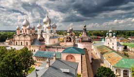 Het Kremlin van oude stad van Rostov Groot royalty-vrije stock fotografie