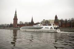 Het Kremlin is versterkte complex in het centrum van Moskou stock foto
