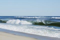 Het kronkelen van Oceaangolven Royalty-vrije Stock Afbeeldingen