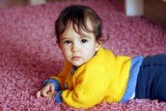 Het kruipen van de baby Royalty-vrije Stock Foto's