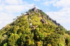 Het kruis op de bovenkant van berg, Naw-Bu de Berg van Baw, Kayin-Sta Stock Foto