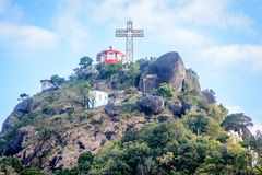Het kruis op de bovenkant van berg, Naw-Bu de Berg van Baw, Kayin-Sta Royalty-vrije Stock Foto