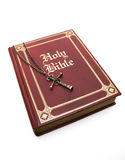 Rode Bijbel op Wit royalty-vrije stock foto
