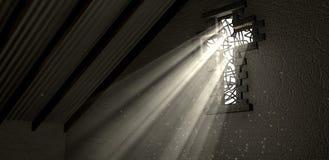 Het Kruisbeeld van het gebrandschilderd glasvenster verlichtte Lichte Stralen royalty-vrije stock afbeeldingen