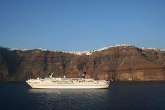 Het kruisen Santorini. Royalty-vrije Stock Afbeeldingen