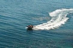 Het kruisen van de motorboot Royalty-vrije Stock Fotografie