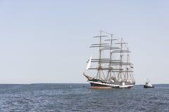 Het Krusensternschip komt aan de Maritieme Dagen van Tallinn aan Stock Afbeeldingen