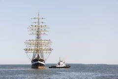 Het Krusensternschip komt aan de Maritieme Dagen van Tallinn aan Stock Fotografie