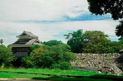 Het Kumamotokasteel wordt gevestigd in Kumamoto-Prefectuur, Japan Op dit ogenblik, was dit kasteel in schade van de aardbevingsra stock afbeelding