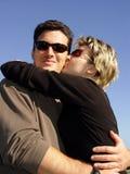 Het kussen van het paar stock fotografie
