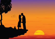 Het kussen van het paar op zonsondergang stock illustratie
