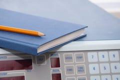 Het laboratorium van het onderzoek: dagboek op wetenschappelijk instrument Stock Afbeeldingen
