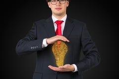 Het labyrint van de zakenmanholding Stock Afbeeldingen